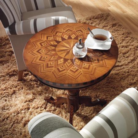 Tavolini con intarsio stella