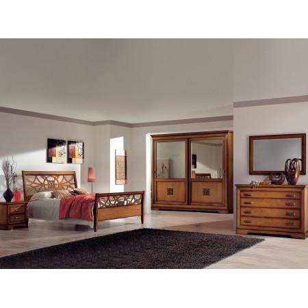 Camera da letto classica con specchi