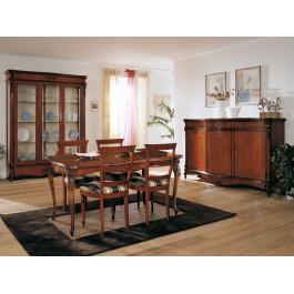 Sala da pranzo sagomata con sei sedie