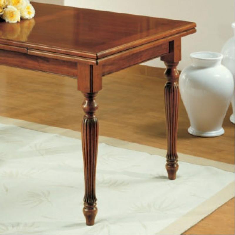 Set di 4 gambe tornite e rigate in legno per tavolo for Gambe di legno