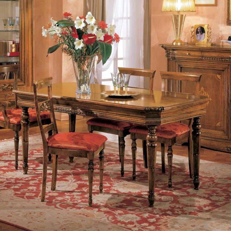 Sala da pranzo mobili a spalle sagomate - Mobili sala da pranzo classica ...