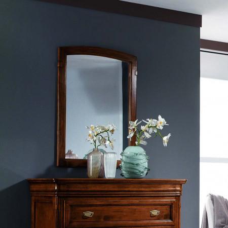 Specchio con cornice sagomata