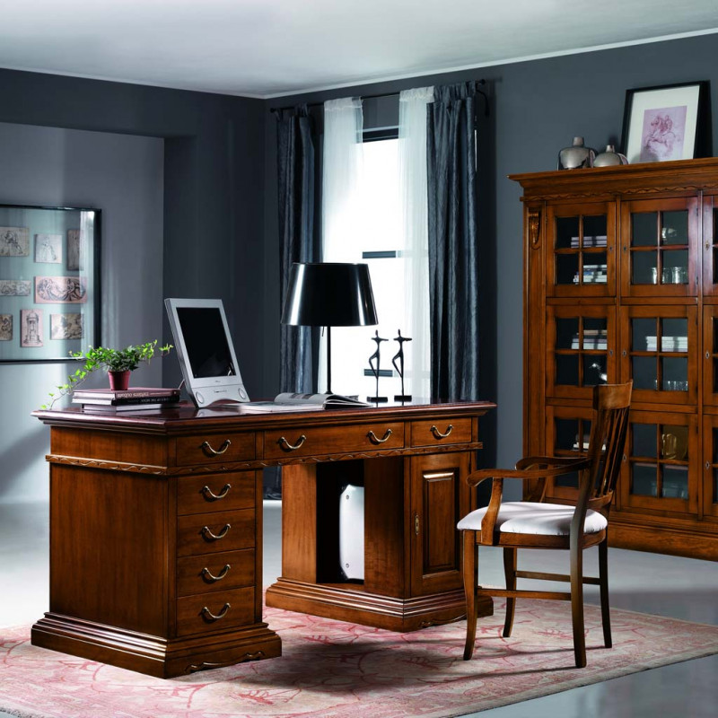scrivania classica in legno