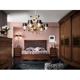 Camera classica in legno letto imbottito