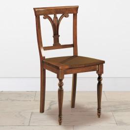 Sedia gambe tornite fondo in legno