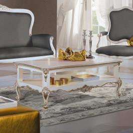 Tavolino basso con particolari intagliati