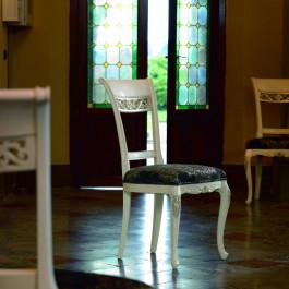 Sedia imbottita in tessuto con piede 700 venezia