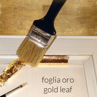 Con dettagli in foglia oro +114,00€