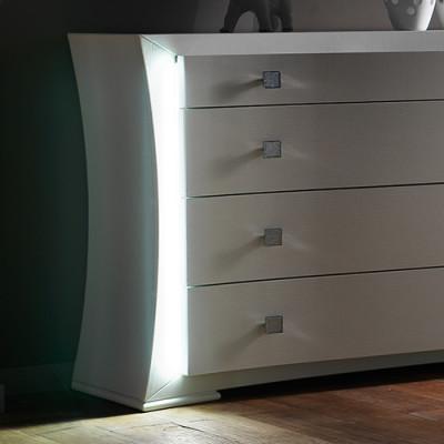 Con luci LED laterali +168,00€